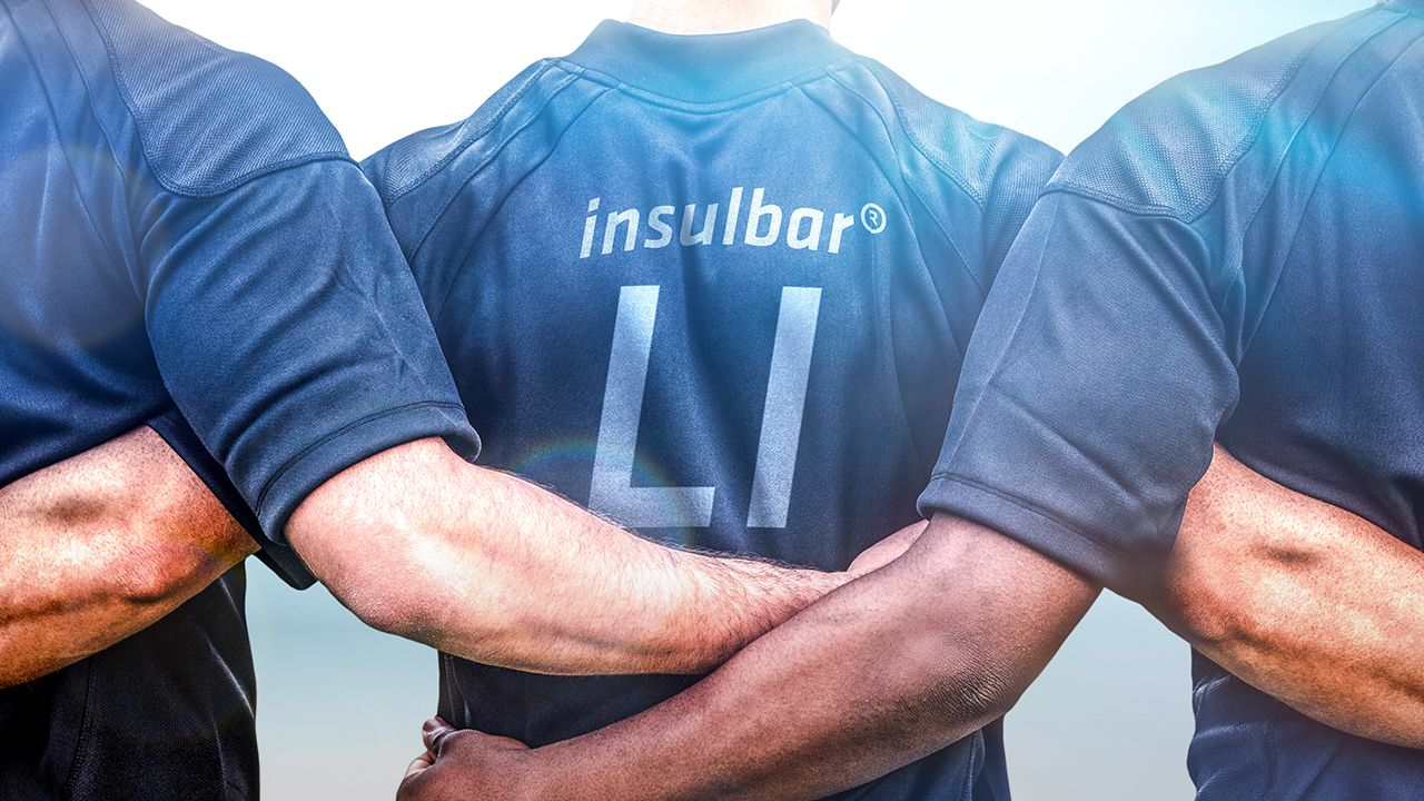 Soccer player with insulbar LI jersey